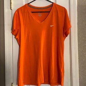 Orange XL Nike T-shirt
